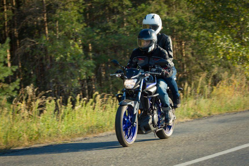 バイクで走行中していたらむち打ち症に